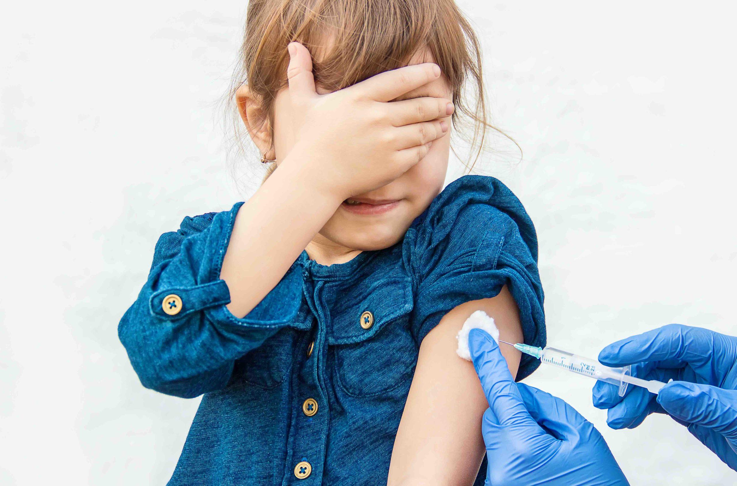 Pourquoi, contre quoi et à quel rythme vacciner nos enfants ?