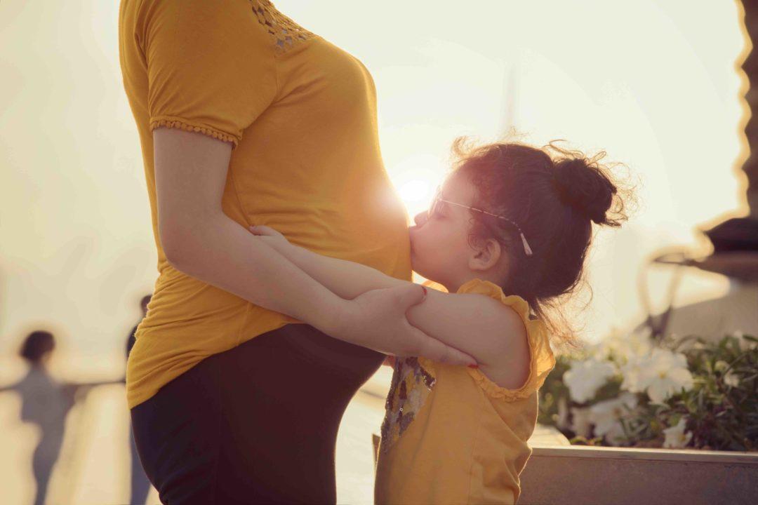 Que fait bébé dans votre ventre ?